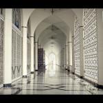 185 Corridor at the Sultan Salahuddin Abdul Aziz Mosque, Shah Alam, Malaysia
